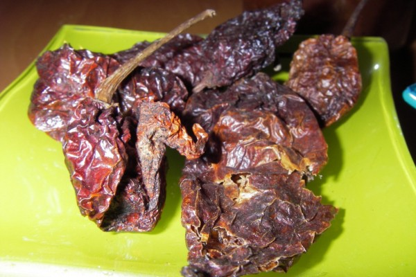 Naga jolokia ghost chili hot sauce recipe lori barber naga jolokia hot sauce forumfinder Choice Image